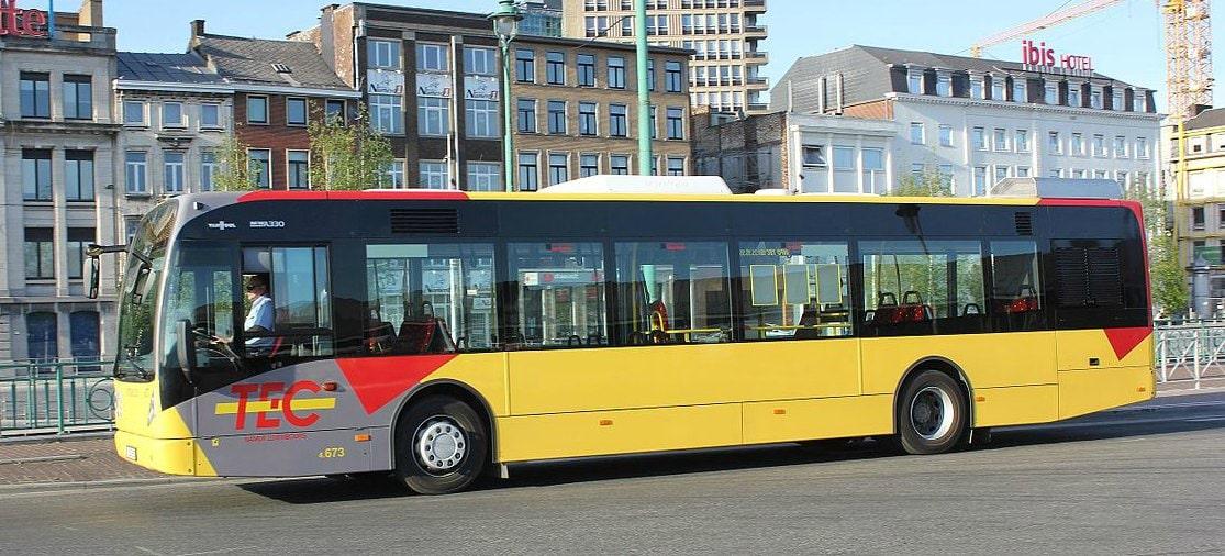 Charleroi bus van station naar Airport