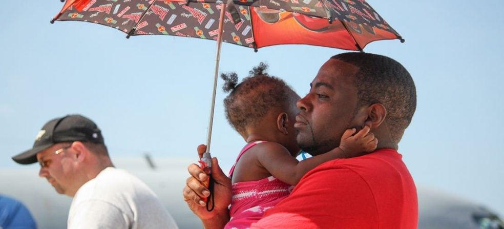 Vliegen met een baby: tips en trucs van een ervaringsdeskundige