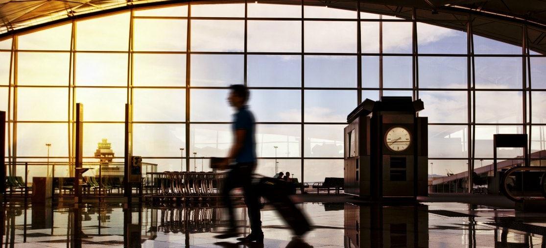 Overstappen op de luchthaven: hoe zit het met de overstaptijd, de douane, security-checks en je bagage?