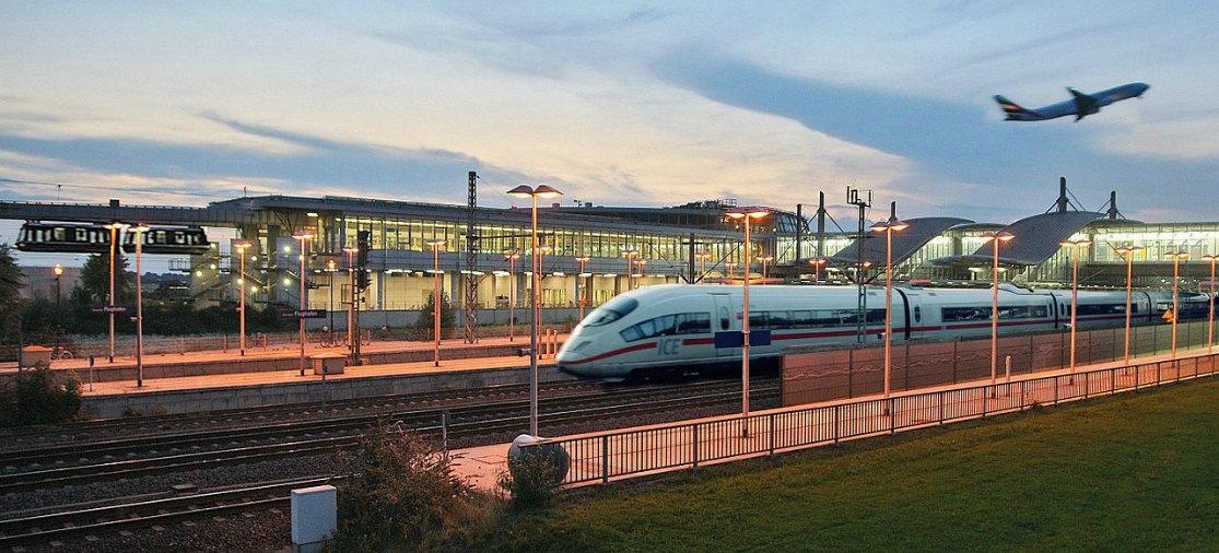 Met de trein naar Düsseldorf Airport