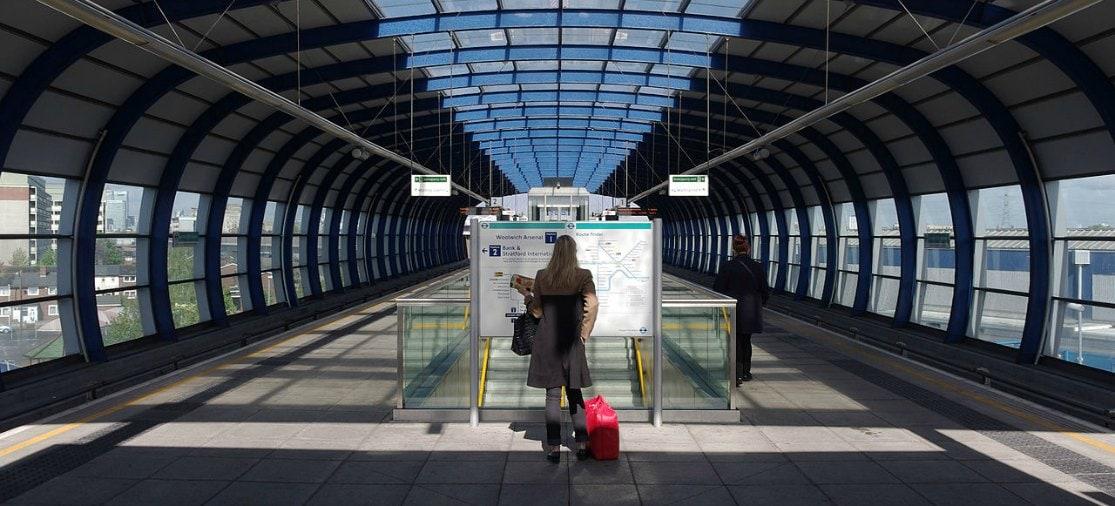 LCY London City Airport station Met de DLR-sneltram van Londen City Airport naar het centrum van de stad