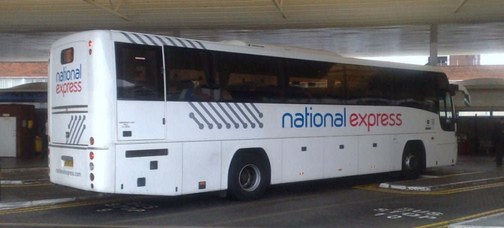 Met de bussen van National Express reis je van Londen Heathrow naar Gatwick, Stansted en Luton Airport